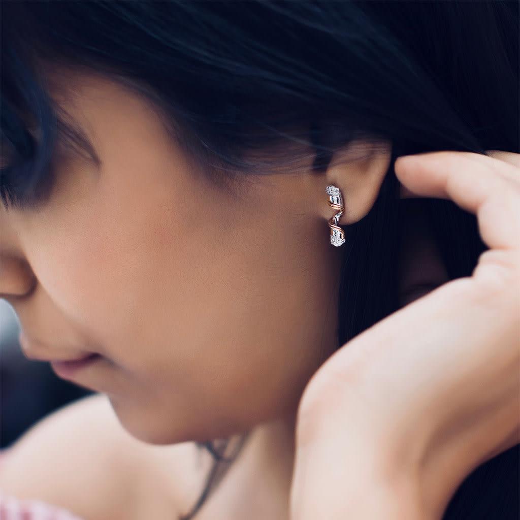 Curly Ribbon Diamond Earrings