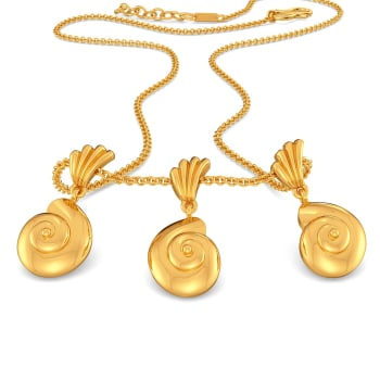 Shell Belle Gold Necklaces