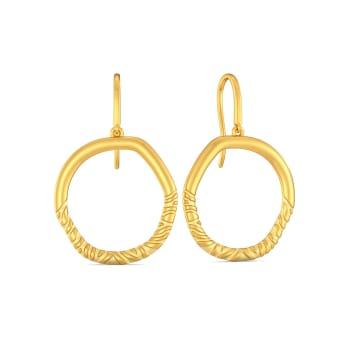 Chic Streak Gold Earrings
